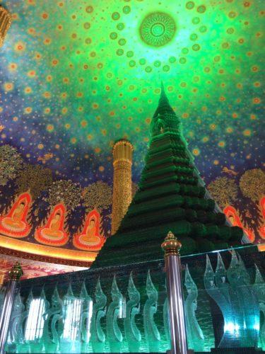タイ旅行 おすすめ「ワットパクナム」